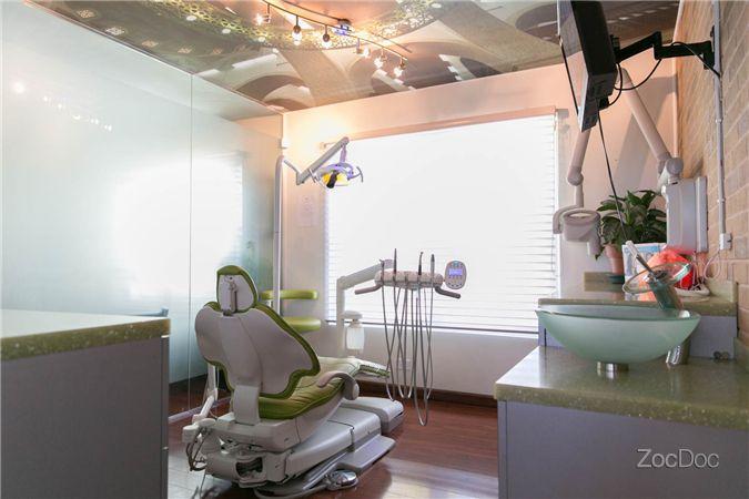 dr-shaikh-office6